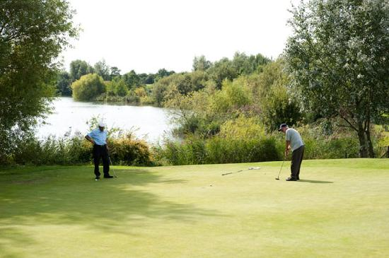 Lee Valley Camping and Caravan Park, Edmonton : Go for Golf