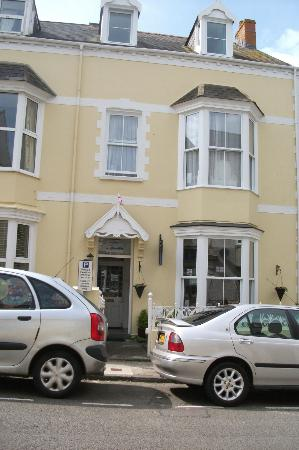 Langdon Villa Guest House : Frontage pic 2