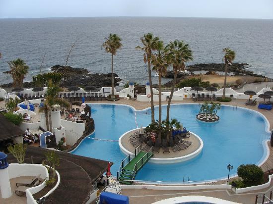 Piscinas fotograf a de santa barbara golf ocean club for Piscinas publicas en el sur de tenerife