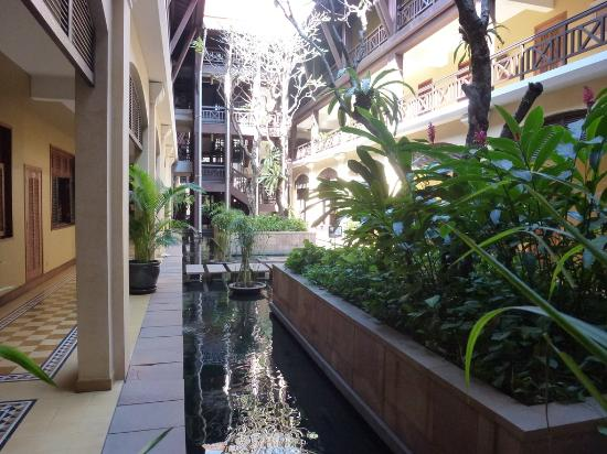 Victoria Angkor Resort & Spa: inside hotel