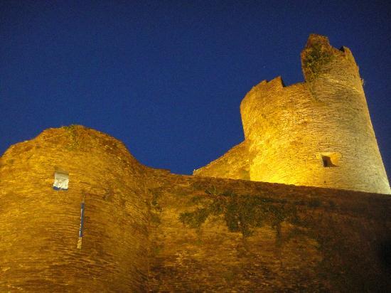 Château Féodal : chateau feodal