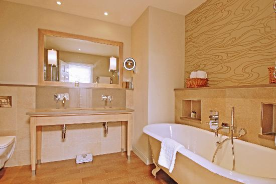 The Grand Brighton: Feature Deluxe Sea View Rooms - Bathroom