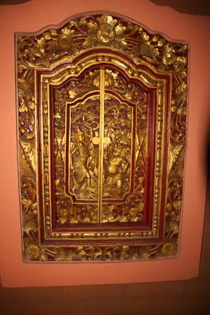 Asana Agung Putra Bali : window