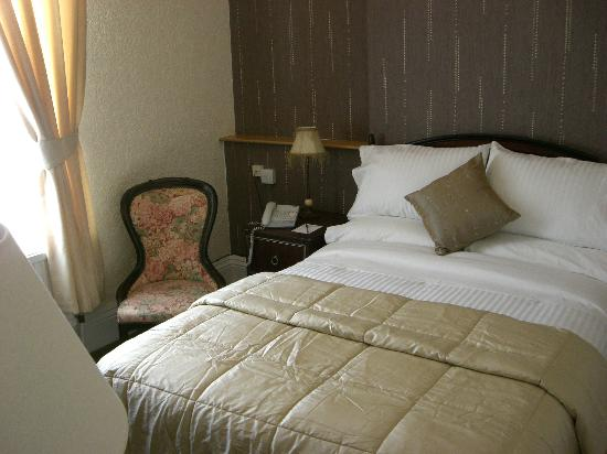 The Cumberland Hotel: All Bedrooms Double size Shower/Bath/WC and a Comfort Beds