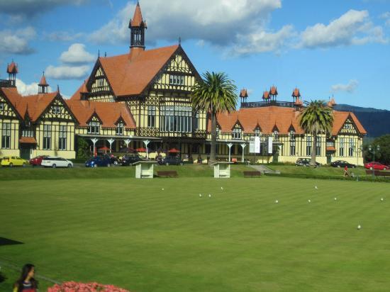 Government Gardens: Rotorua Museum
