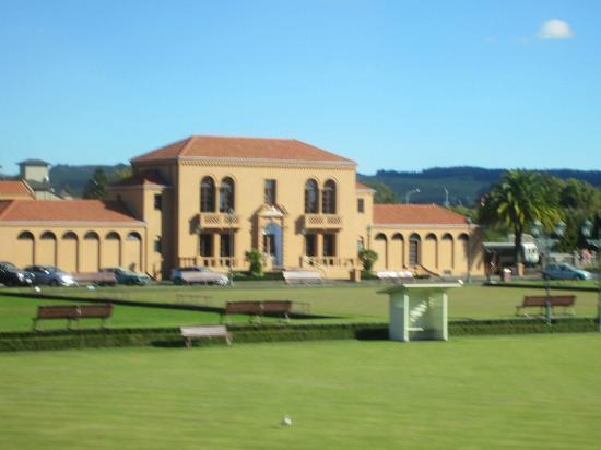 Government Gardens: The Blue Baths