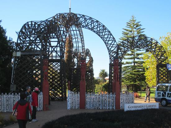 Government Gardens: Entrance to the Govenment Gardens