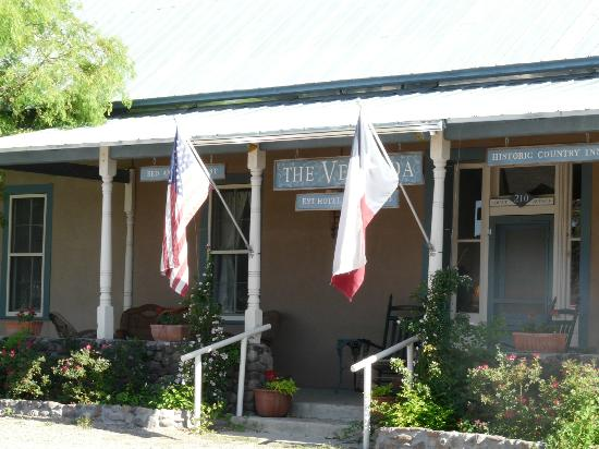 VERANDA HISTORIC INN: Proud to be a Texan