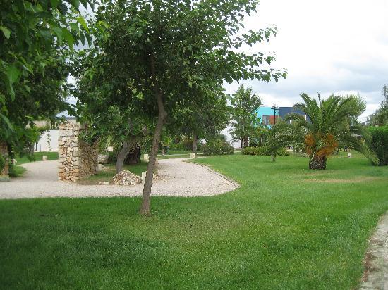 Blu Salento Village: giardini