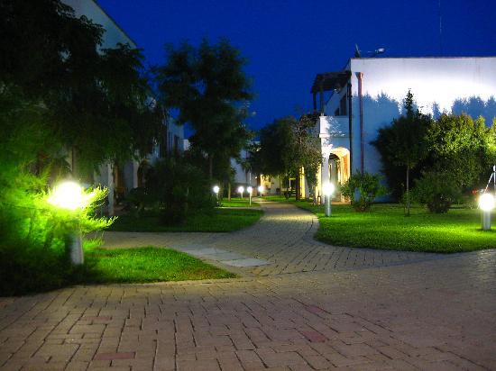 Blu Salento Village: notturna