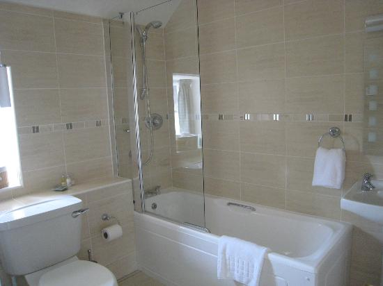 Ballifeary Guest House: Bathroom