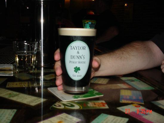 Taylor & Dunn's Public House: Guinness....... Brillant!