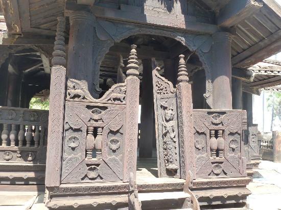 Innwa: Bargayar Kloster