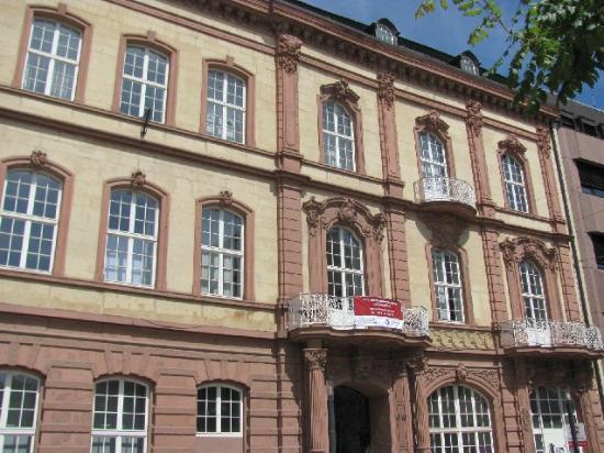 Kornmarkt: Kaiserlichen Oberpostdirektion