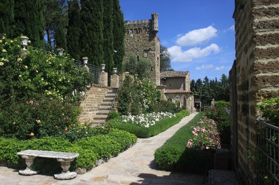 Castello di Monterone: the castello