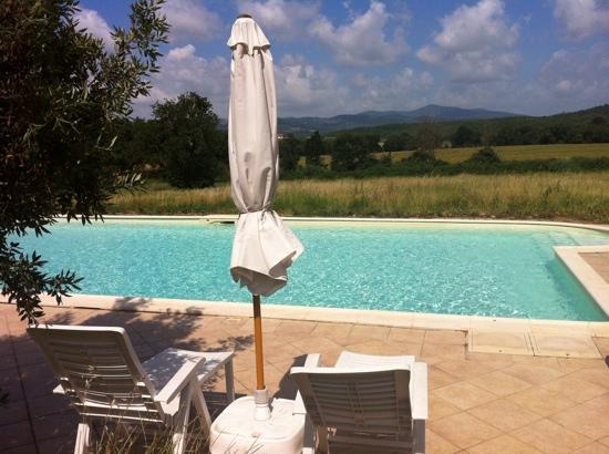 Casetta Francini: The view from the swimming pool is stunning