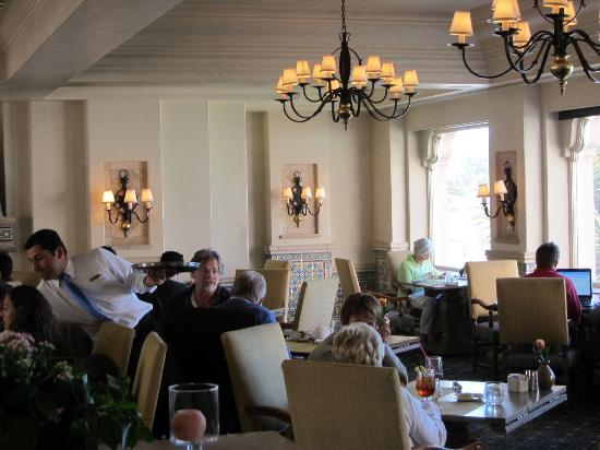 The Med: A spot for lunch off of the La Valencia lobby