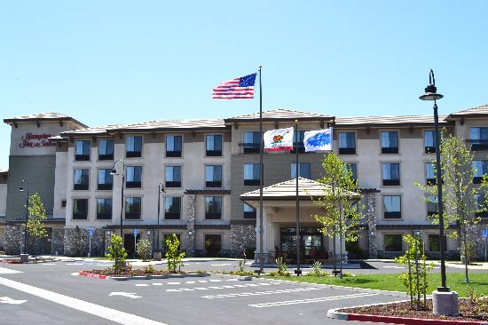Hampton Inn & Suites- San Luis Obispo: getlstd_property_photo