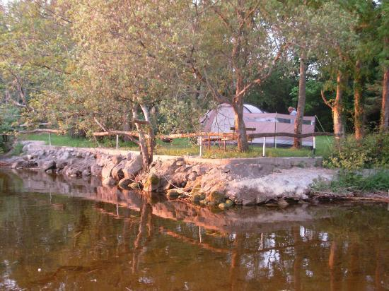Lakeside Holiday Park: tent location