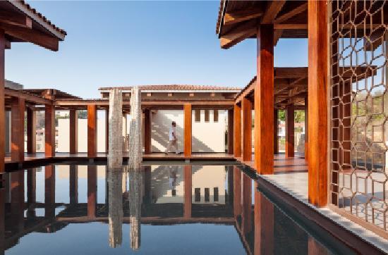 Celeste Beach Residences & Spa: Reflection