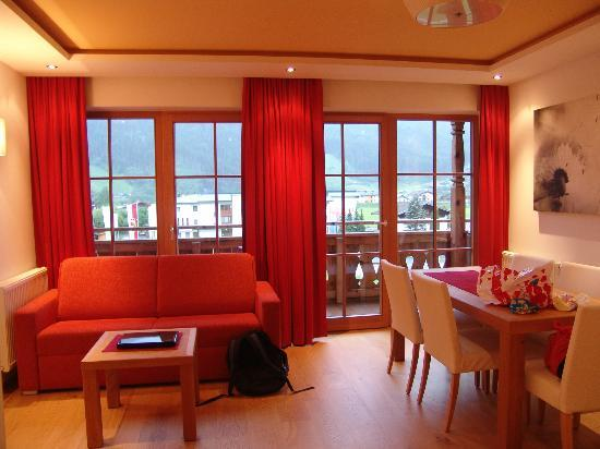 Natur Resort Senningerhof: part of the suite