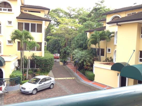 Apartotel & Suites Villas del Rio: entrance from inside