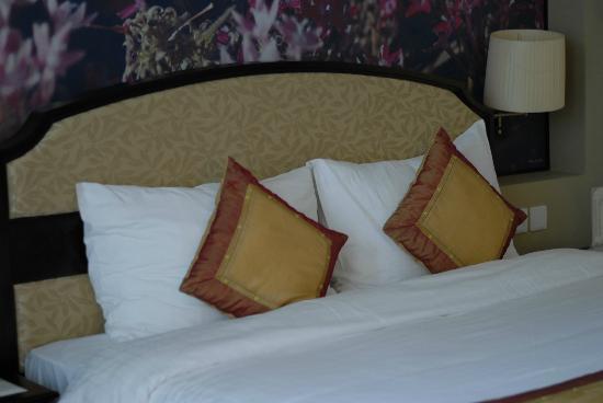 La Sapinette Hotel Dalat: Bed