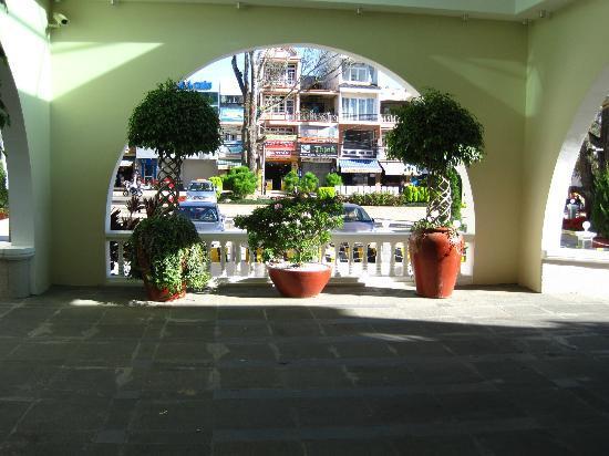 لا سابينيتا هوتل دالات: Entrance
