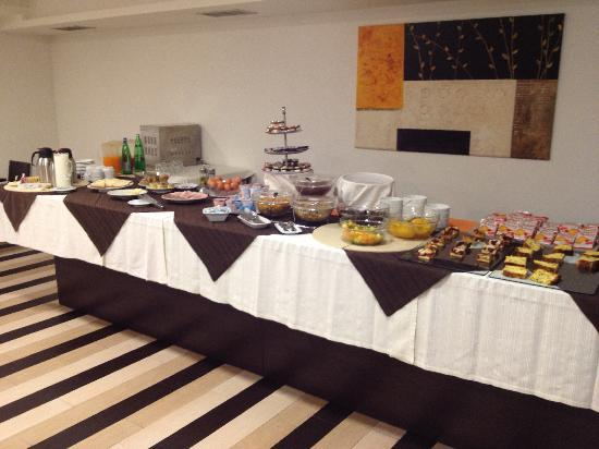 All Ways Garden Hotel & Leisure: ricca colazione al buffet