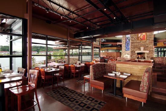 Blue water grill grand rapids ristorante recensioni numero di telefono foto tripadvisor - Blue water bar and grill ...