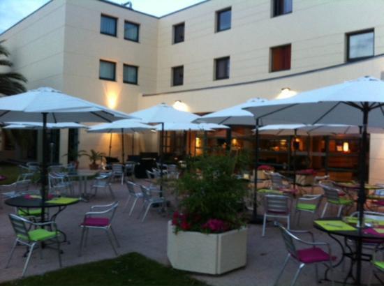 Mercure Cannes Mandelieu : Terrasse