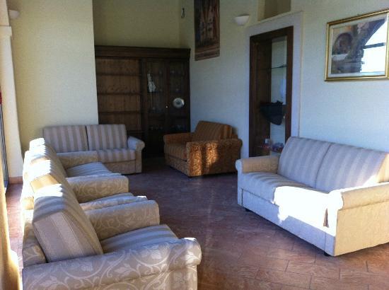 Hotel Cascina Canova: Hall