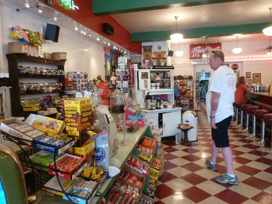 Rocky's Grill & Soda Shop: mmm candy