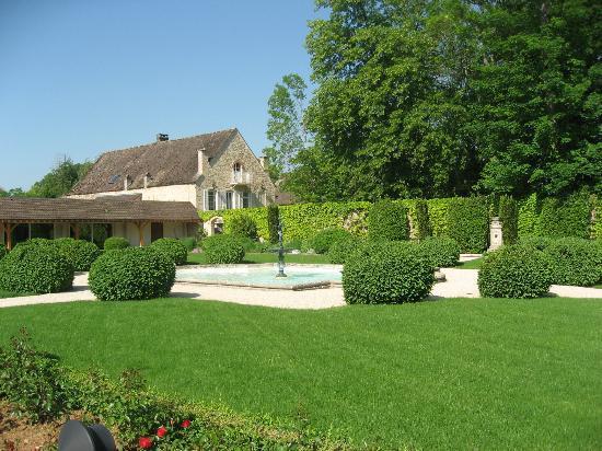 Relais & Chateaux - Hostellerie de Levernois : Main Buildings