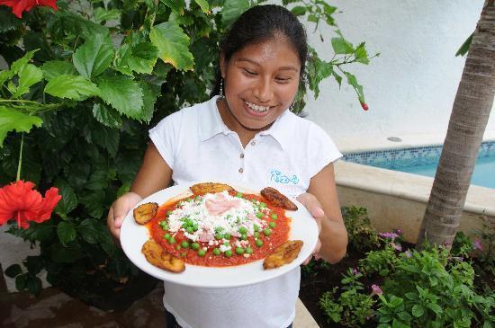 Casa Sirena Hotel: Complimentary breakfast