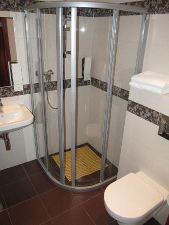 Dworek Morski Mielno: Bathroom