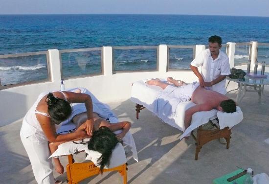Casa Sirena Hotel: Massage services availble