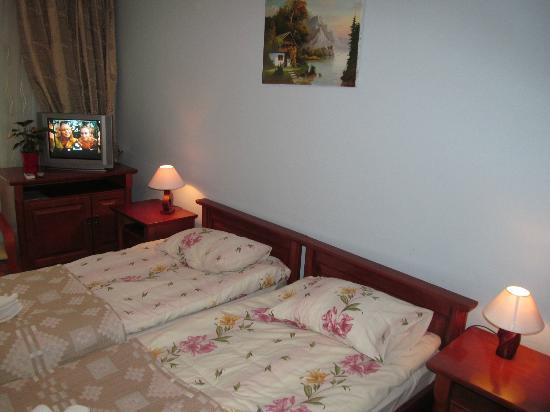 Hotel Spinaker: Room, bed
