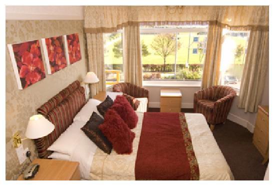 Savoy Hotel: Sea view bedroom