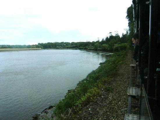 Waterford & Suir Valley Railway: Along the banks of the River Suir