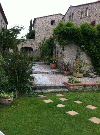 Le Mas Trilles : View from the Garden 3