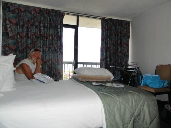 Neptune Park Inn: room 411