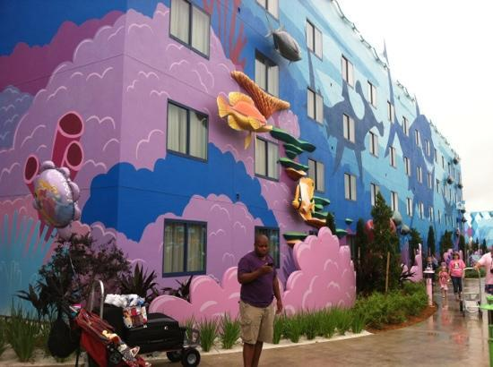 Disney's Art of Animation Resort: outside veiw of building