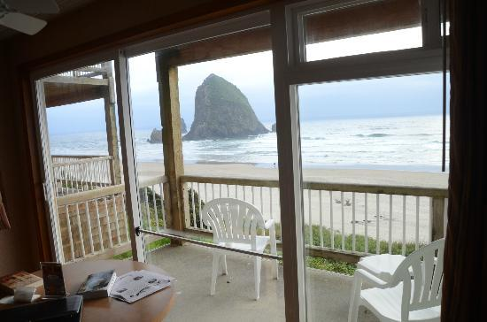 Hallmark Resort & Spa Cannon Beach: Haystack