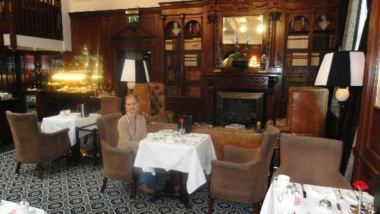 Hotel 41: executive lounge - hora del desayuno
