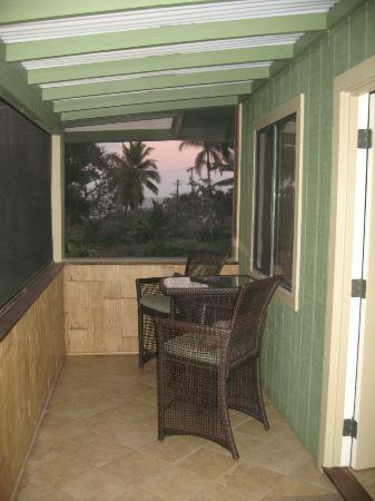 Hana Paradise Cottages: Front Porch