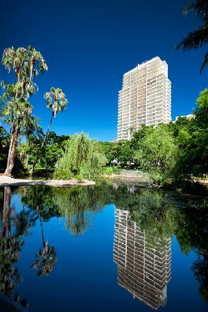 Quay West Suites Brisbane: Garden Oasis in the Heart of Brisbane