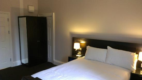 Bloomsbury Palace Hotel: Bedroom (room 103)