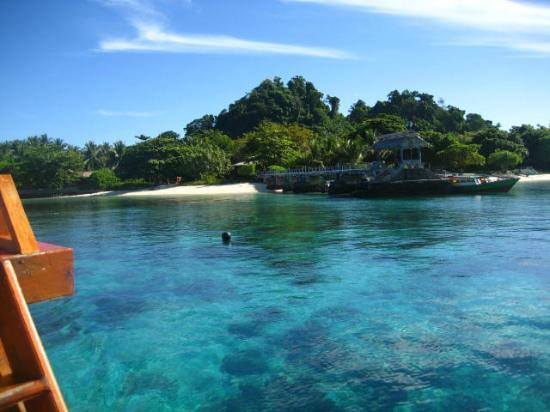 Gangga Island Resort & Spa: resort from water