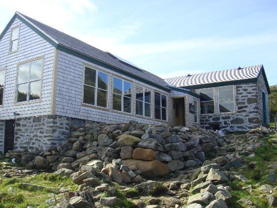 Lakes of the Clouds Hut: Outside the Hut